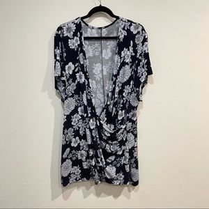 Lane Bryant Faux Wrap Floral Print Top in Black and White Size 26/28